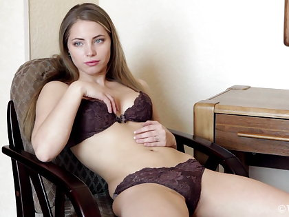 Bonny Russian with consenting multitude