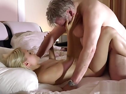 Old man has great sex with his younger girlfriend in the morning