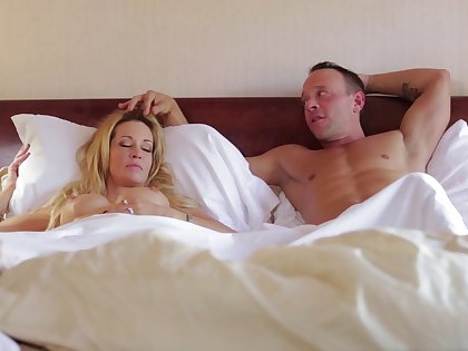 Sleeping tie the knot Jessica Drake woken up with pussy licking and gets facial