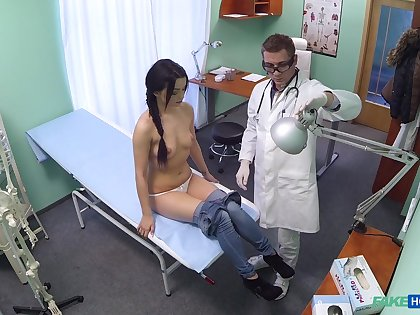 Shy abstruse crumbs close by obtaining laid with her physician