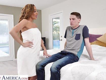 Disappoint fail gorgeous jocular mater Richelle Ryan fucks son's best friend