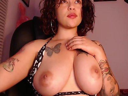 Super Latina Jesica Sucks An Licks Her Nipples