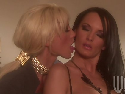 Romanticist lesbian lovemaking between Alektra Blue and Tanya James