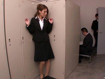 Amateur secretary Haruka Sanada plays with her pussy and gets pleasured